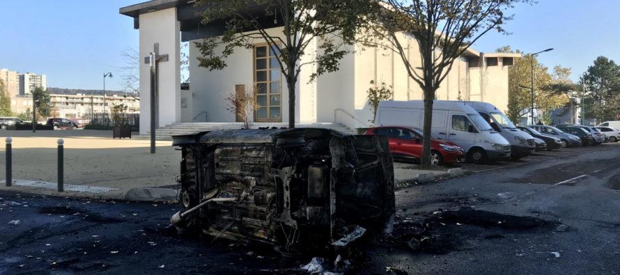 Grèves Scolaires : des voitures incendiées à Mantes-la-Jolie, Mantes-la-Ville et Porcheville