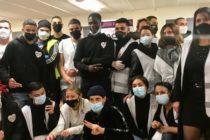 Collectif Unité – Fondation TF1 : Soolking en visite à Mantes-la-Ville pour aider les pauvres
