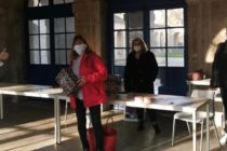 Solidarité à Rosny-sur-Seine : Alexandra collecte des boîtes de Noël pour les démunis
