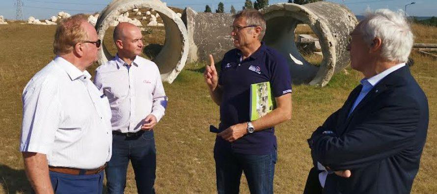 Cyclisme à Épône : Éric Jacoté découvre le nouveau stadium VTT Trial
